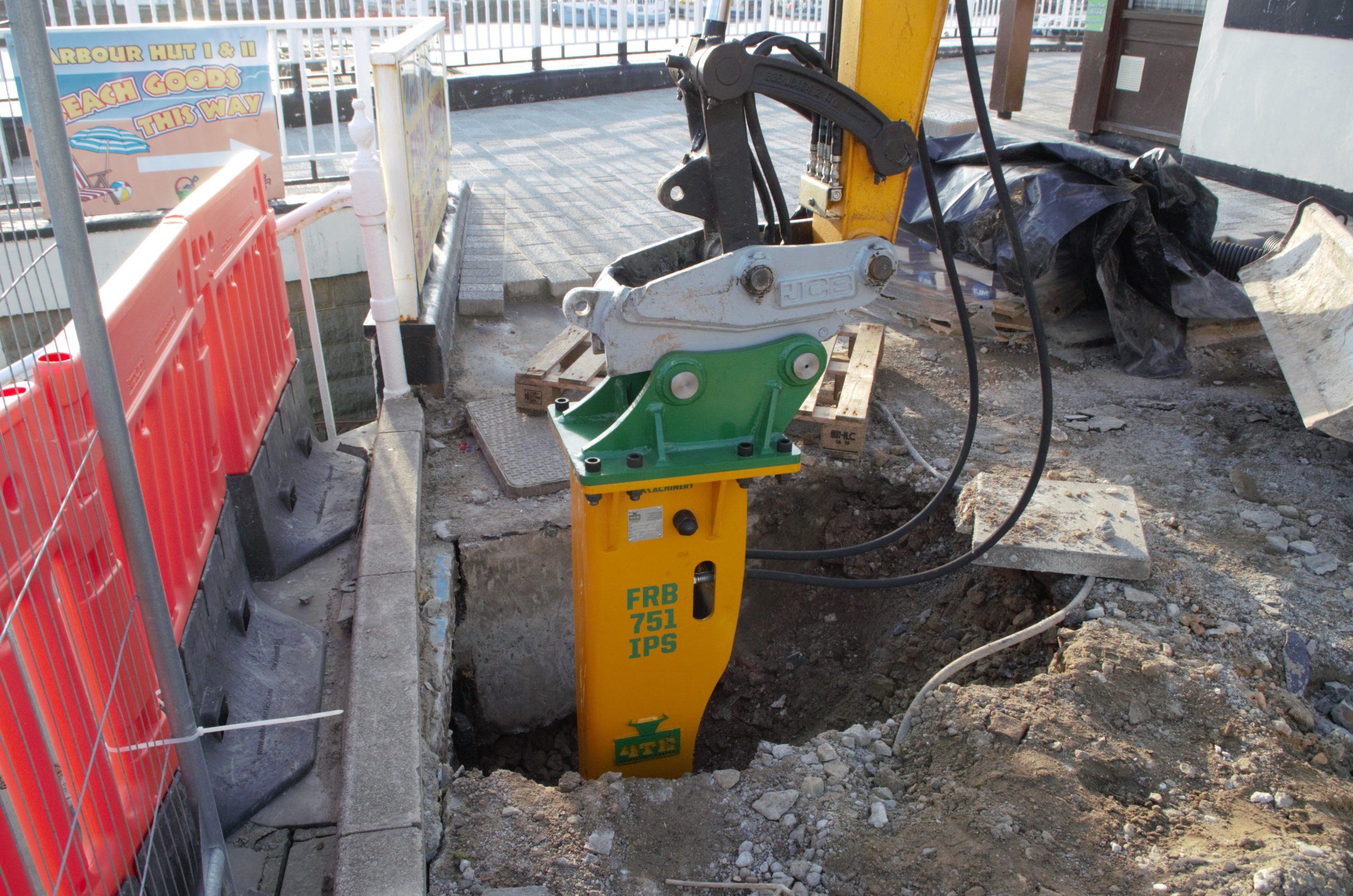 Rock Breaker for 6T Excavator_IMGP1088
