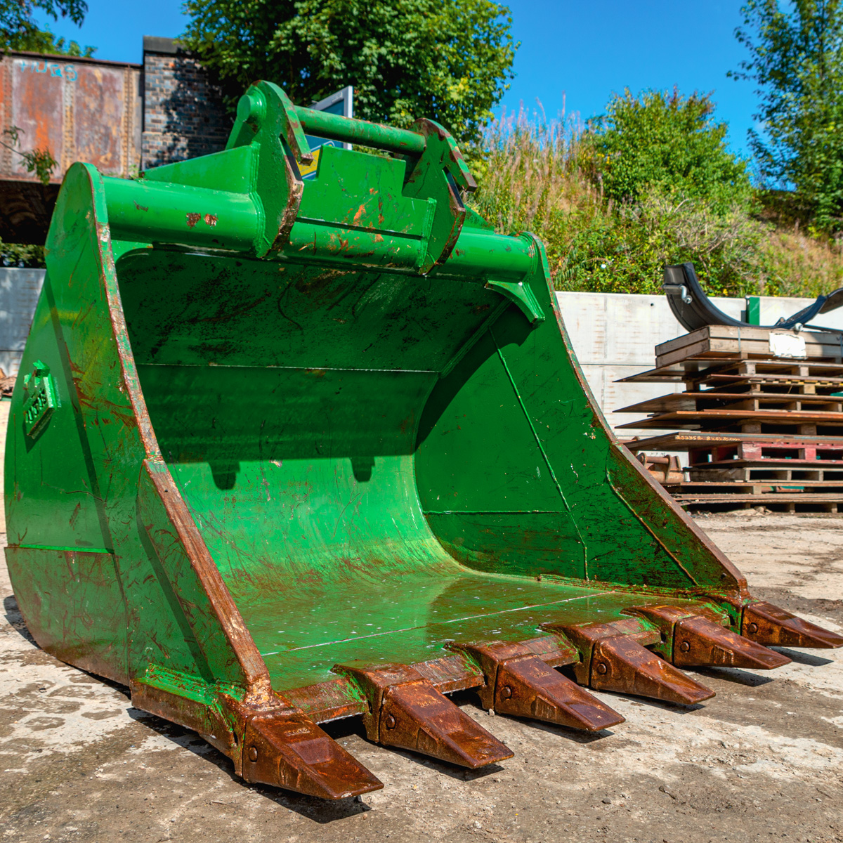 72 Digging Bucket Product Image