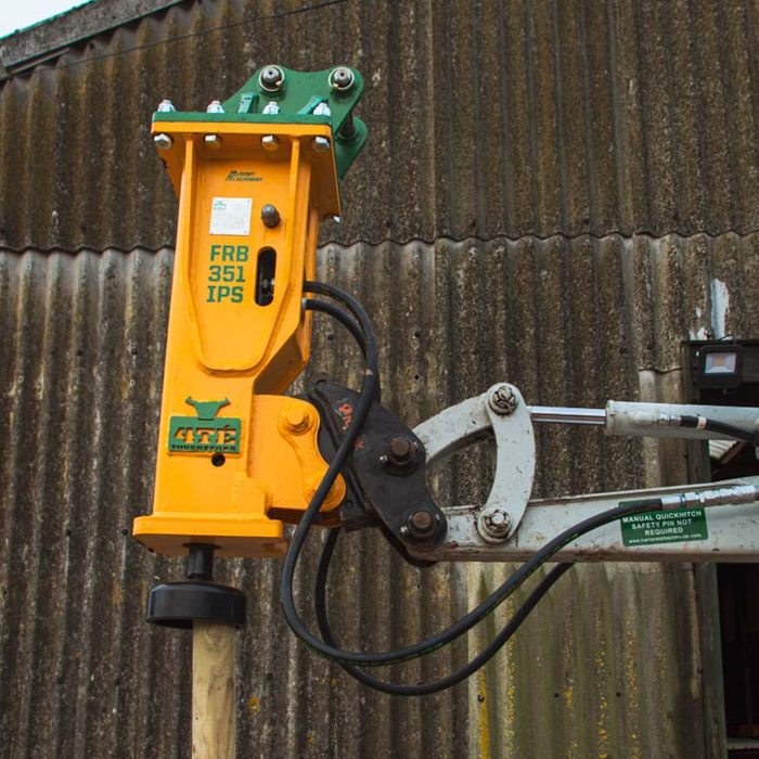 The NEW 4TÉ Combined Hydraulic Breaker & Post Knocker Attachment